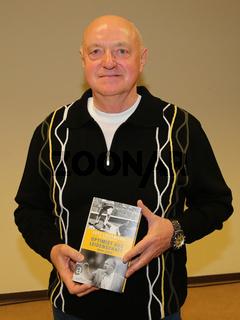 ehemaliger deutscher Fußballspieler Lutz Lindemann bei einer Buchlesung in Magdeburg