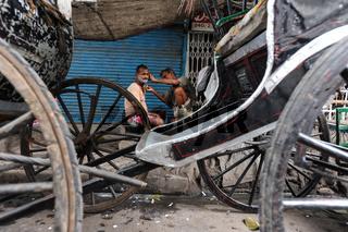 Kolkata, Indien, Rasur in den Strassen von Kolkata