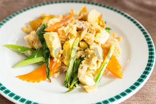Stir-fried noodles tofu
