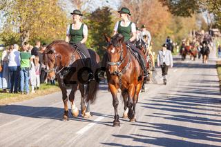 Warngau, Deutschland, Bayern 27.10.2019: Reiter bei der Leonhardifahrt Warngau