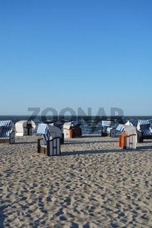 Strandkörbe am Haff