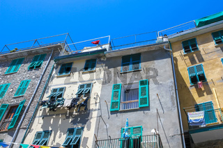 Colourful buildings and drying clothes in Cinque Terre