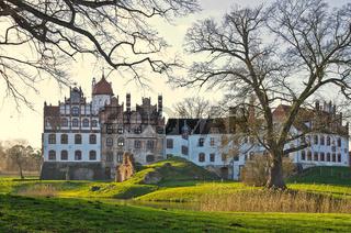 Schloss Basedow, Mecklenburg, Deutschland