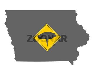 Karte von Iowa mit Verkehrsschild Tornadowarnung - Map of Iowa and traffic sign tornado warning