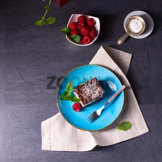 cheesecake with raspberries mascarpone and chocolate
