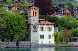 Oberhofen am Thunersee, Villa und Herrenhaus am See