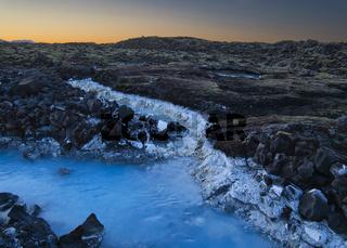 Das Thermalwasser von der Blauen Lagune in Island
